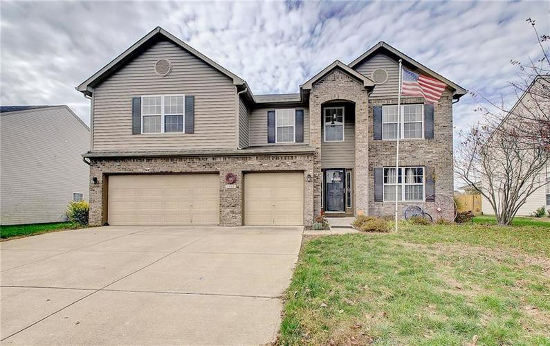 7632 Sleeping Ridge Drive Indianapolis, IN 46217 | MLS 21678447 | photo 1