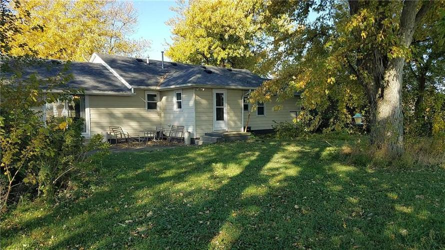 2767 S State Road 39 Frankfort, IN 46041 | MLS 21678494 | photo 4