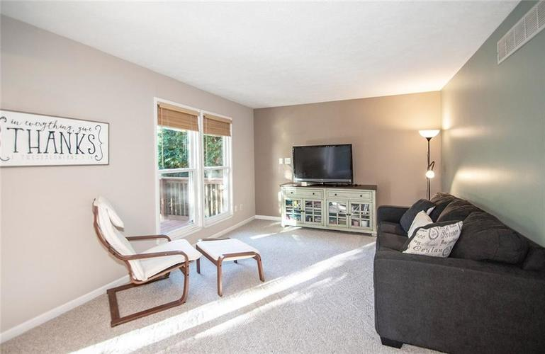 7761 S Chatham Court Indianapolis, IN 46256   MLS 21678499   photo 13