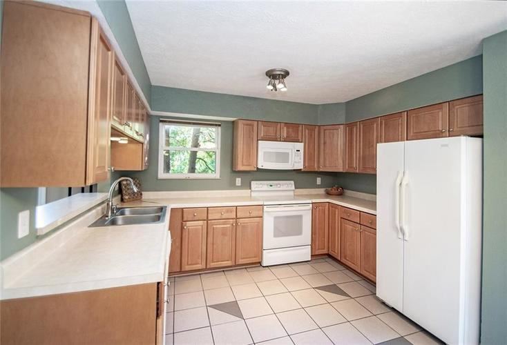 7761 S Chatham Court Indianapolis, IN 46256   MLS 21678499   photo 16
