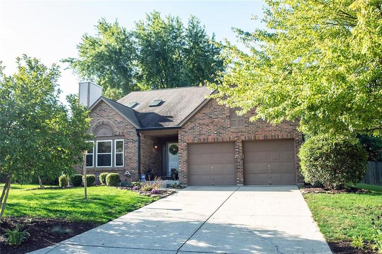 7761 S Chatham Court Indianapolis, IN 46256   MLS 21678499   photo 2