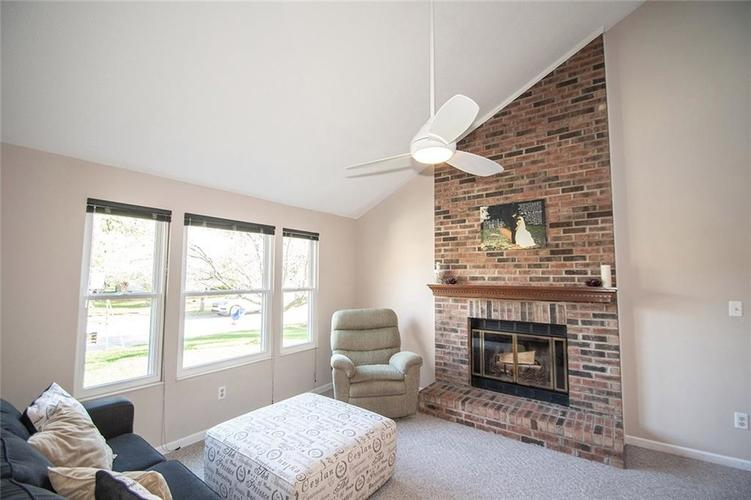 7761 S Chatham Court Indianapolis, IN 46256   MLS 21678499   photo 3