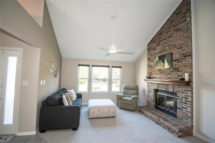 7761 S Chatham Court Indianapolis, IN 46256   MLS 21678499   photo 5
