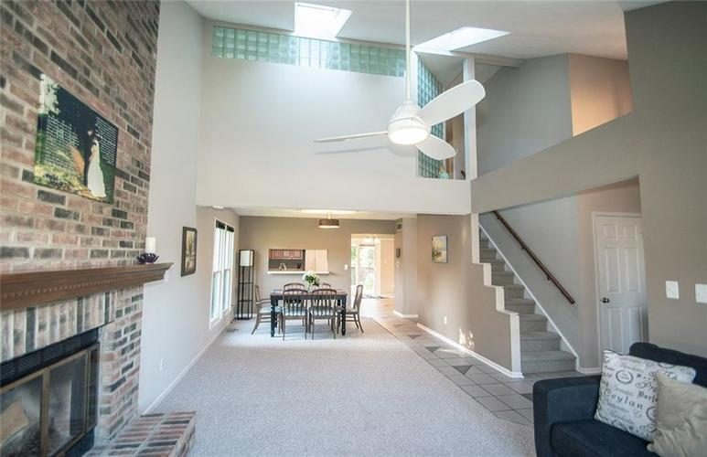 7761 S Chatham Court Indianapolis, IN 46256   MLS 21678499   photo 8