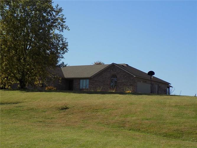 9451 N US Hwy 231 Quincy IN 47456 | MLS 21678502 | photo 2