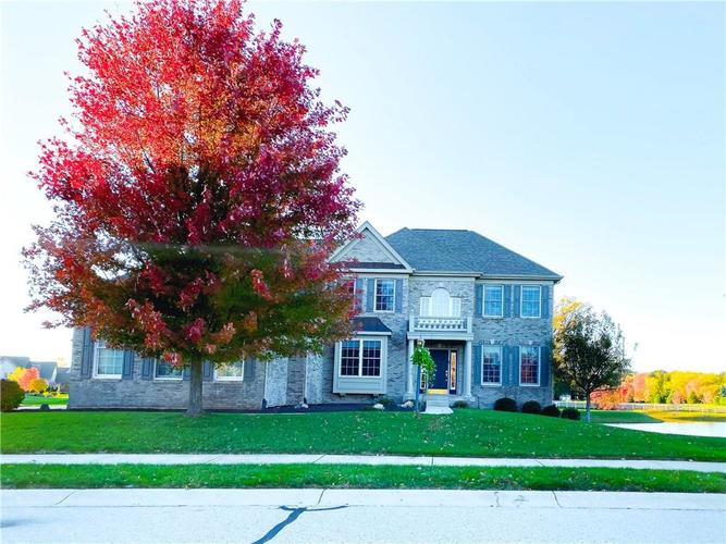 12554 Spire View Drive Fishers, IN 46032 | MLS 21678538 | photo 2