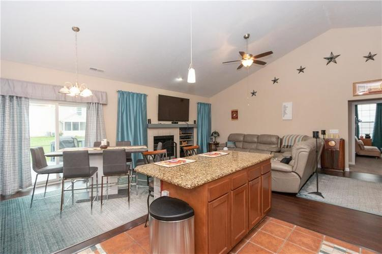 1328 Topp Creek Drive Indianapolis, IN 46214 | MLS 21678539 | photo 14
