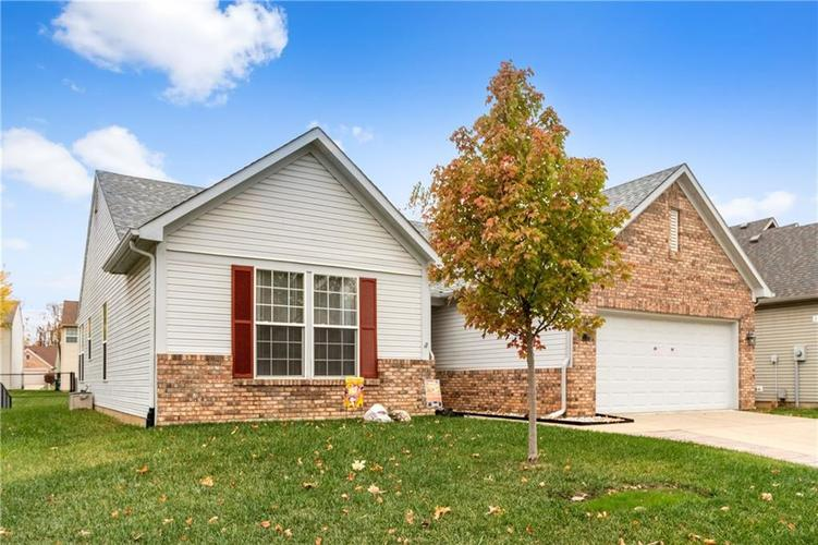 1328 Topp Creek Drive Indianapolis, IN 46214 | MLS 21678539 | photo 2