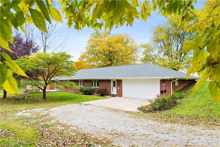 789 E Hospital Road Franklin, IN 46131 | MLS 21678623 | photo 1