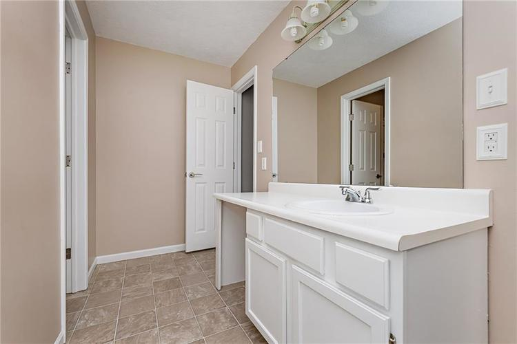 6790 COLONY POINTE S Drive Indianapolis, IN 46250 | MLS 21678632 | photo 11