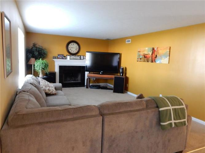 4459 BELLCHIME Drive Indianapolis, IN 46235 | MLS 21678634 | photo 10