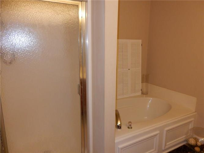 4459 BELLCHIME Drive Indianapolis, IN 46235 | MLS 21678634 | photo 22