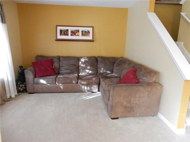 4459 BELLCHIME Drive Indianapolis, IN 46235 | MLS 21678634 | photo 4