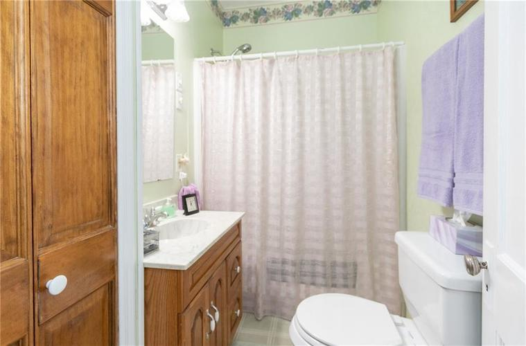 11204 Exchange Street Indianapolis, IN 46259 | MLS 21678672 | photo 14