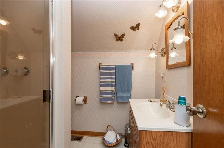 11204 Exchange Street Indianapolis, IN 46259 | MLS 21678672 | photo 17