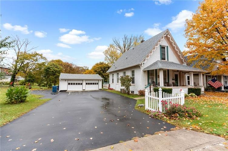 11204 Exchange Street Indianapolis, IN 46259 | MLS 21678672 | photo 2