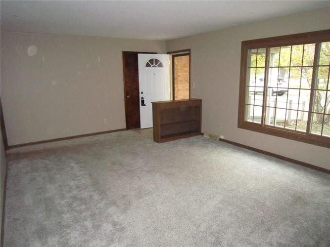 8911 W 10th Street Indianapolis, IN 46234 | MLS 21678763 | photo 10