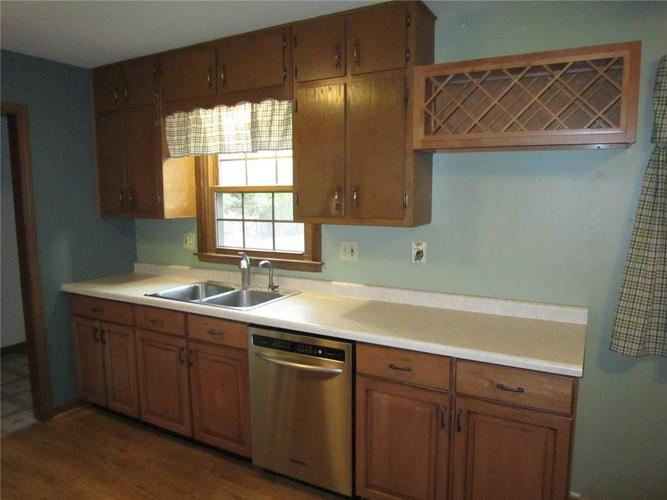 8911 W 10th Street Indianapolis, IN 46234 | MLS 21678763 | photo 2