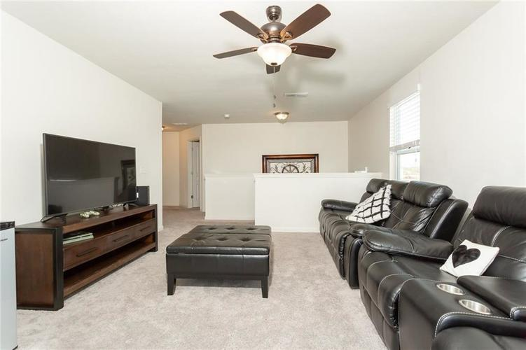 15365 Eastpark Circle W Fishers, IN 46037 | MLS 21678768 | photo 21