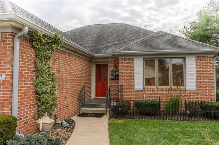 1107 Acadia Court Indianapolis, IN 46217 | MLS 21678788 | photo 2