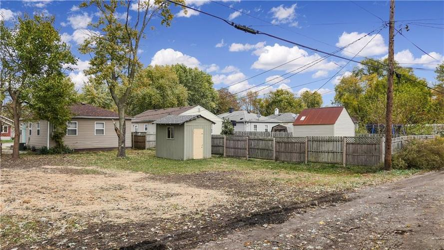 2029 Reformers Avenue Indianapolis, IN 46203   MLS 21678792   photo 2