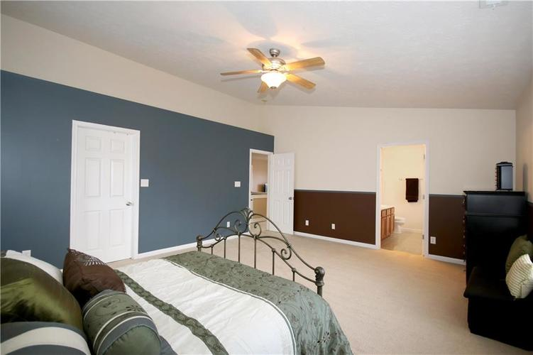 6627 GREENSPIRE Place Indianapolis, IN 46221 | MLS 21678886 | photo 13