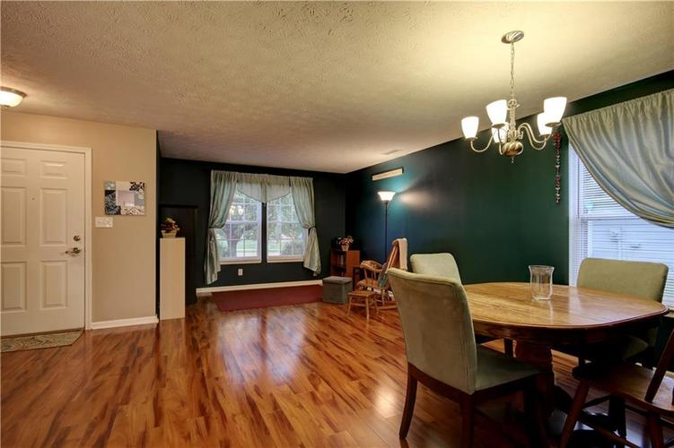 6627 GREENSPIRE Place Indianapolis, IN 46221 | MLS 21678886 | photo 2