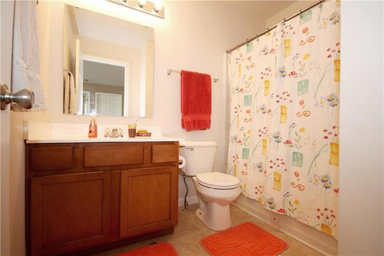 6627 GREENSPIRE Place Indianapolis, IN 46221 | MLS 21678886 | photo 20