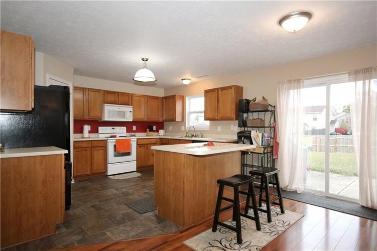 6627 GREENSPIRE Place Indianapolis, IN 46221 | MLS 21678886 | photo 4