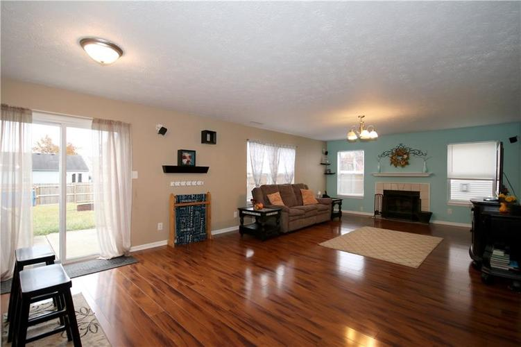 6627 GREENSPIRE Place Indianapolis, IN 46221 | MLS 21678886 | photo 7