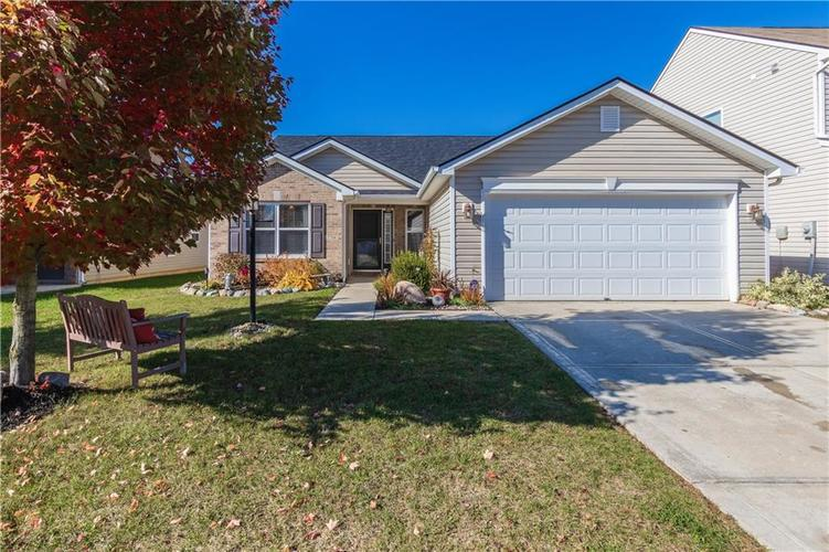 12706 OLD POND Road Noblesville, IN 46060 | MLS 21678977 | photo 1