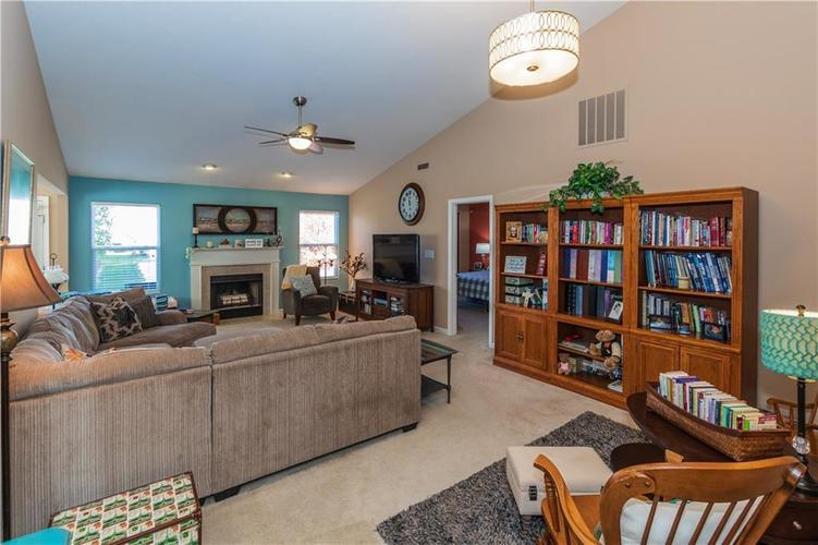 12706 OLD POND Road Noblesville, IN 46060 | MLS 21678977 | photo 5