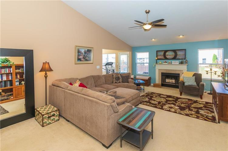 12706 OLD POND Road Noblesville, IN 46060 | MLS 21678977 | photo 6