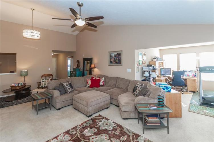 12706 OLD POND Road Noblesville, IN 46060 | MLS 21678977 | photo 8