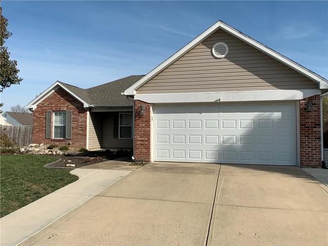 935 South Shore Court Franklin, IN 46131 | MLS 21679082 | photo 3