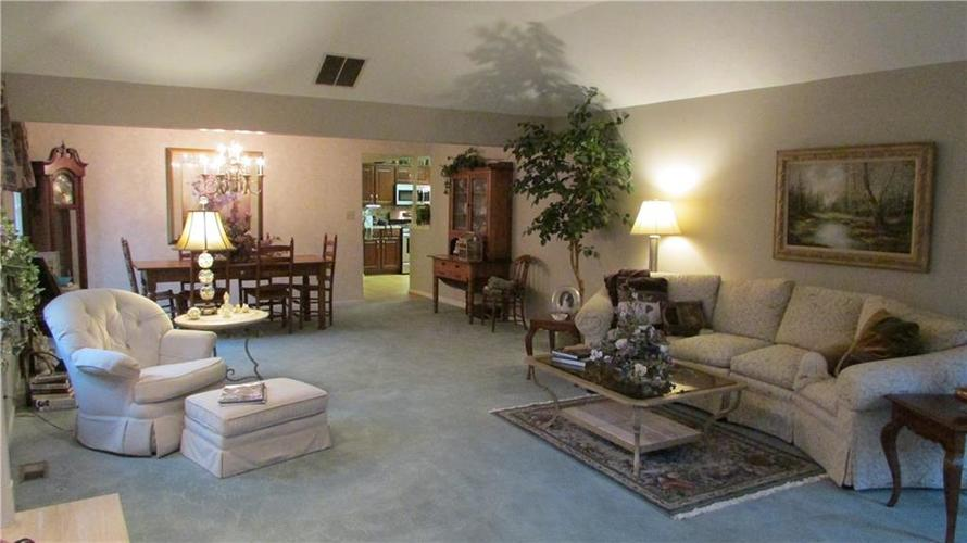 255 E Andrews Boulevard East Drive Plainfield, IN 46168   MLS 21679083   photo 5