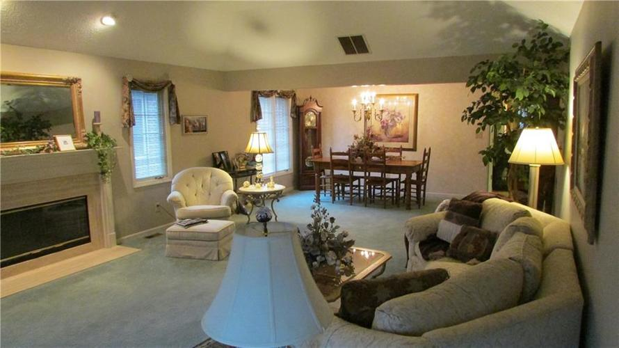 255 E Andrews Boulevard East Drive Plainfield, IN 46168   MLS 21679083   photo 6