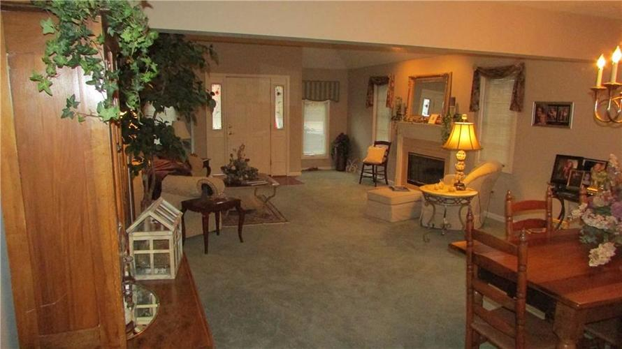 255 E Andrews Boulevard East Drive Plainfield, IN 46168   MLS 21679083   photo 7