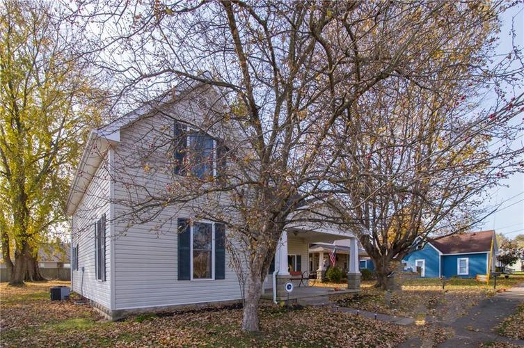 117 Forest Avenue Greenfield, IN 46140 | MLS 21679121 | photo 3