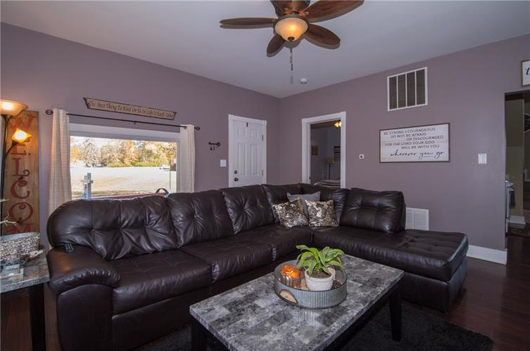 117 Forest Avenue Greenfield, IN 46140 | MLS 21679121 | photo 6