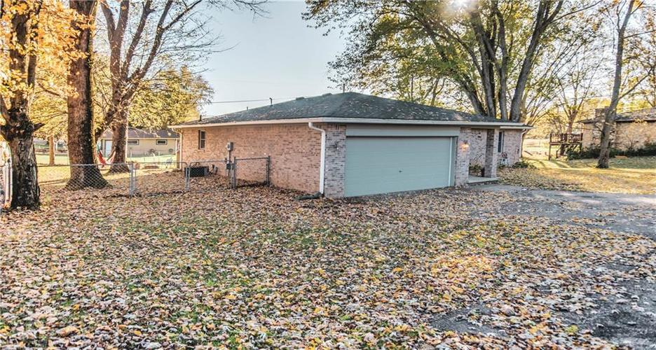 2475 State Road 44 Martinsville, IN 46151 | MLS 21679155 | photo 2