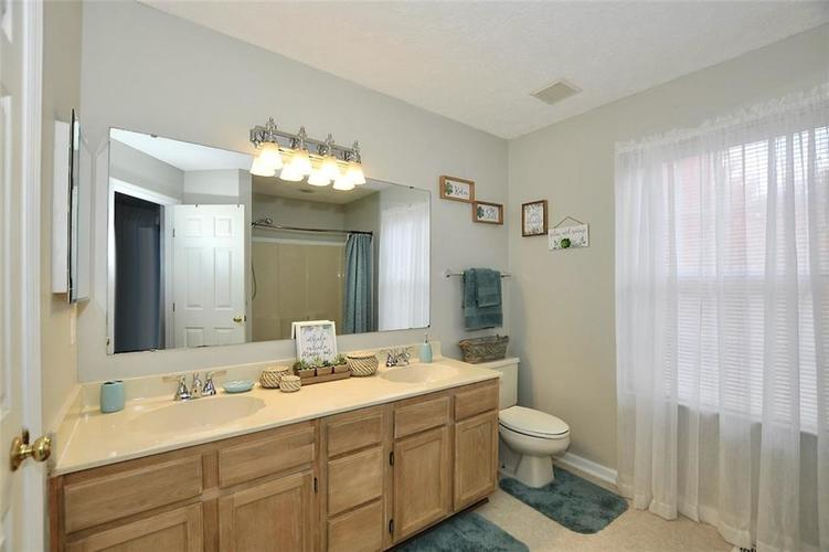 19023 Wimbley Way Noblesville, IN 46060 | MLS 21679212 | photo 16