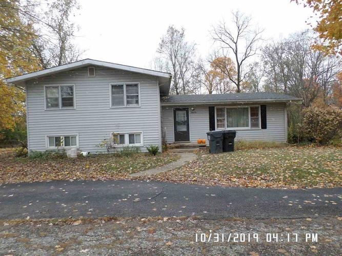 1002 W 3rd  Alexandria, IN 46001 | MLS 21679243