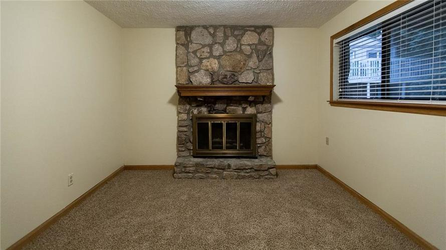 7922 Piney Wood Court Indianapolis, IN 46214 | MLS 21679269 | photo 12