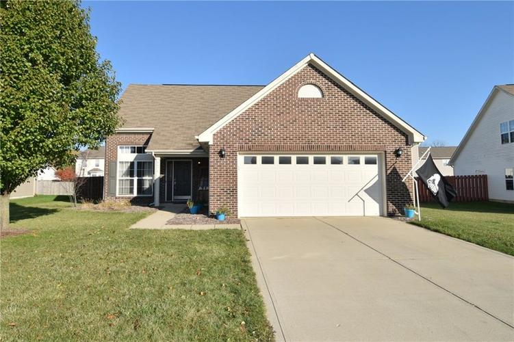 8474 Templederry Drive Brownsburg, IN 46112 | MLS 21679326 | photo 1