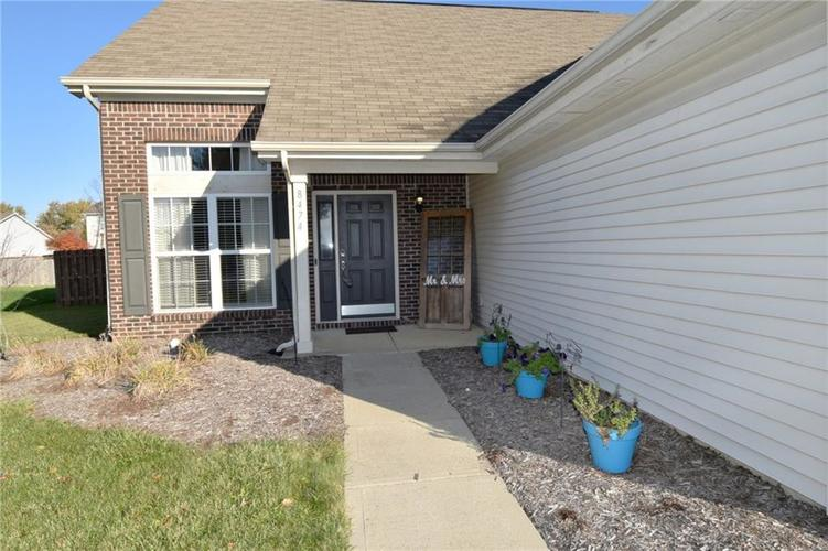 8474 Templederry Drive Brownsburg, IN 46112 | MLS 21679326 | photo 2