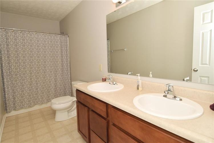 8474 Templederry Drive Brownsburg, IN 46112 | MLS 21679326 | photo 26