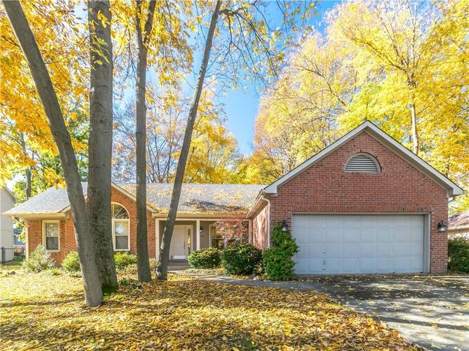 6044 First Lady Boulevard Indianapolis, IN 46237 | MLS 21679363 | photo 1