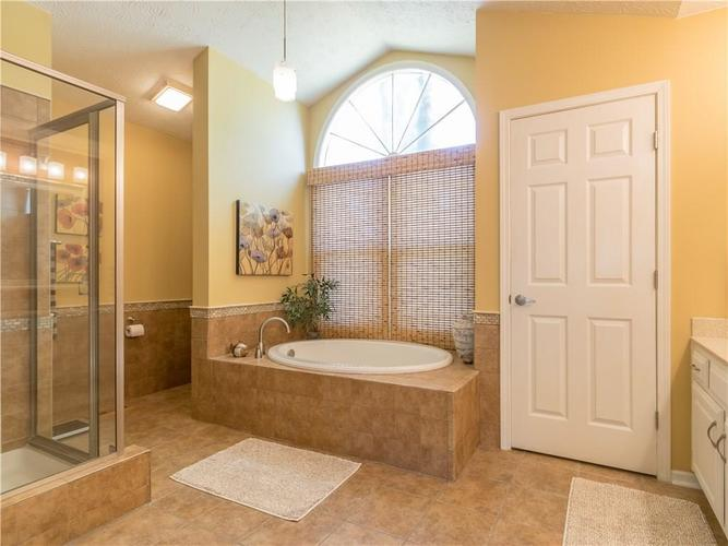 6044 First Lady Boulevard Indianapolis, IN 46237 | MLS 21679363 | photo 20