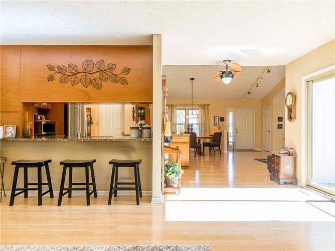 6044 First Lady Boulevard Indianapolis, IN 46237 | MLS 21679363 | photo 6